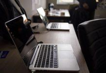 laptops-2230826_1920