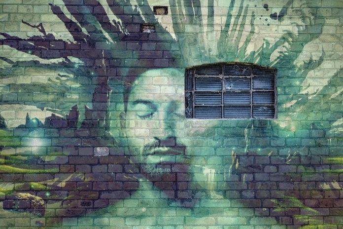 wall-2794561_1920